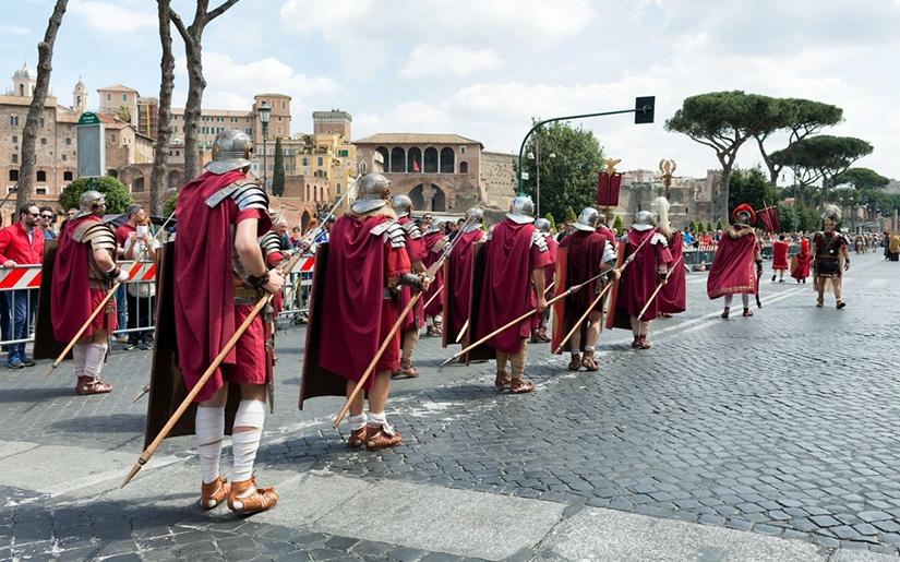 פסיטיבל חגיגות יום ההולדת לרומא בחודש אפריל
